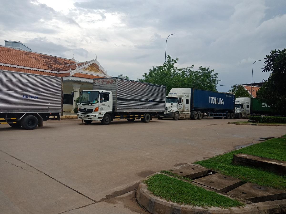 vận chuyển hàng hóa từ TPHCM đi Lào qua cửa khẩu
