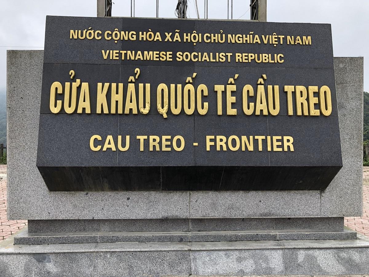 vận chuyển hàng hóa từ Hà Nội đi Pakxe qua cửa khẩu cầu treo