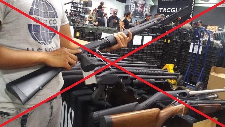 Nhà xe không nhận vũ khí gửi đi Lào