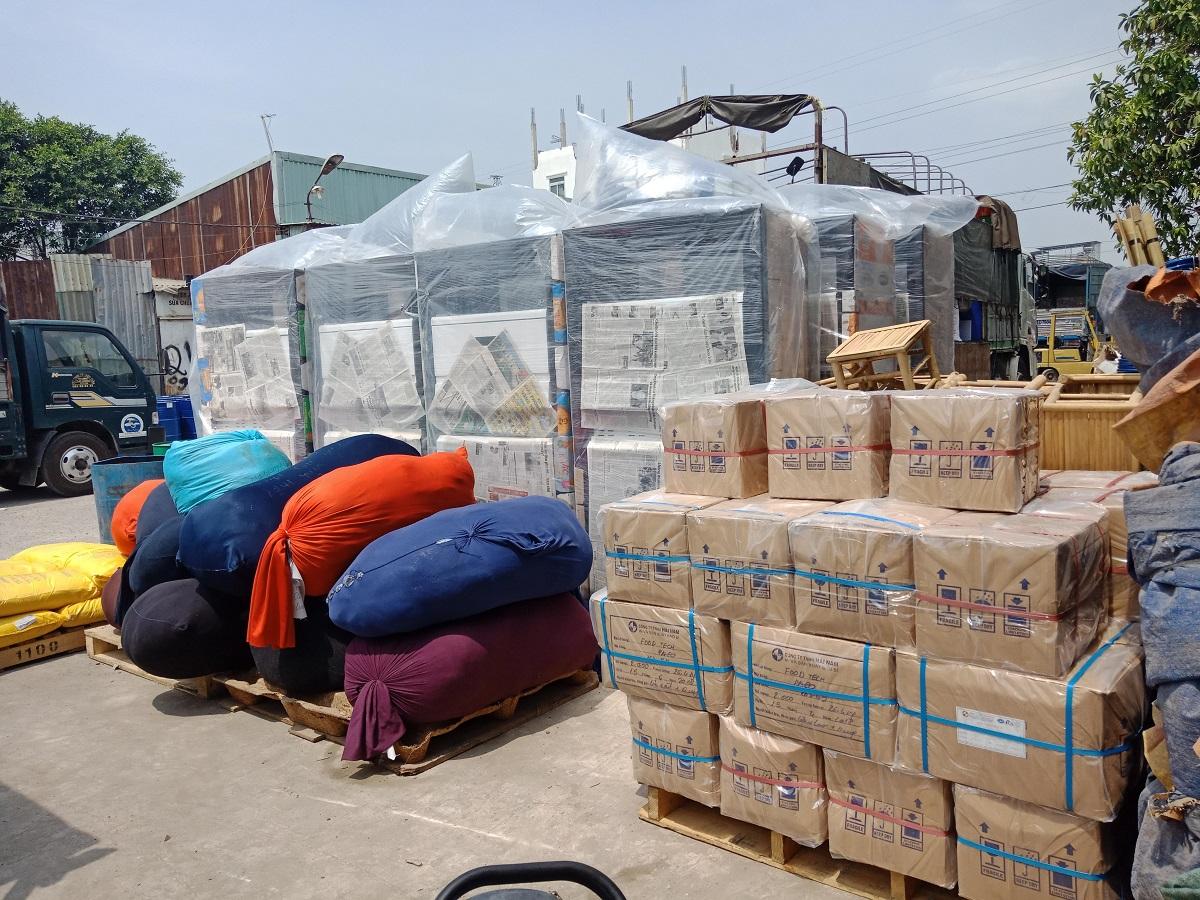 Vận chuyển quần áo từ Hà Nội đi Lào